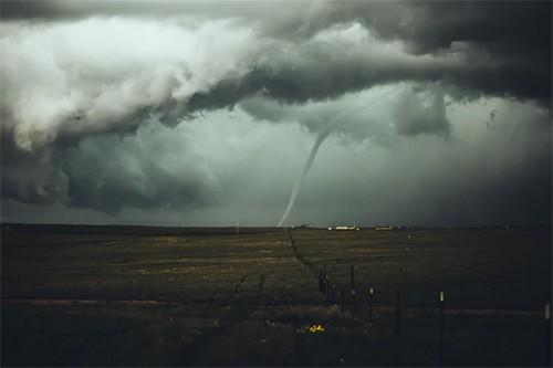 Por que se producen los huracanes y tornados